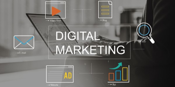 Digital Marketing image for HR recruiting lessons from a digital marketer